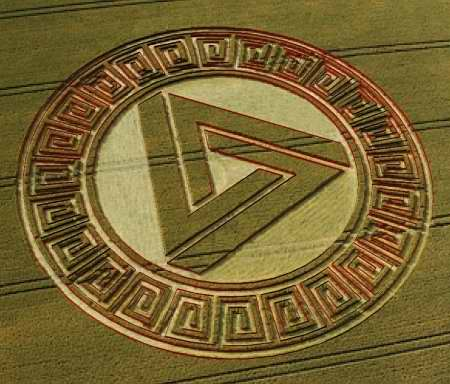 Crop circle with impossible triangle