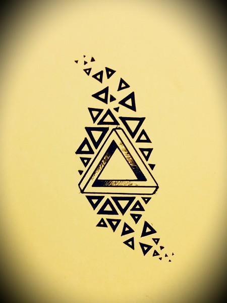 что означает татуировка треугольника хоть