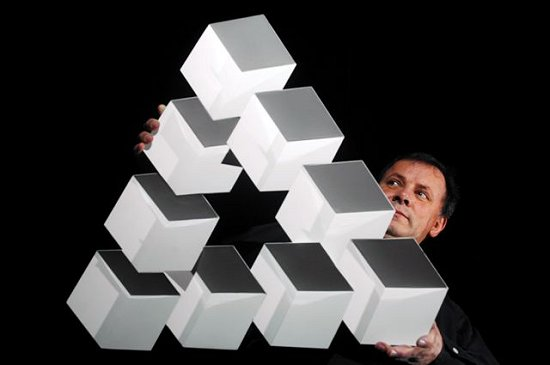 Francis Tabary with impossible triangle